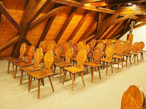 chairs-693551_960_720